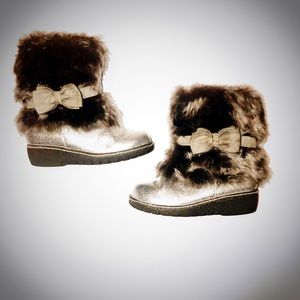 Cherokee Silver faux fur boots for girls